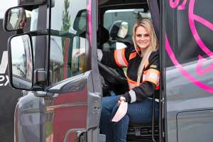 Power-Truckerin im Scania